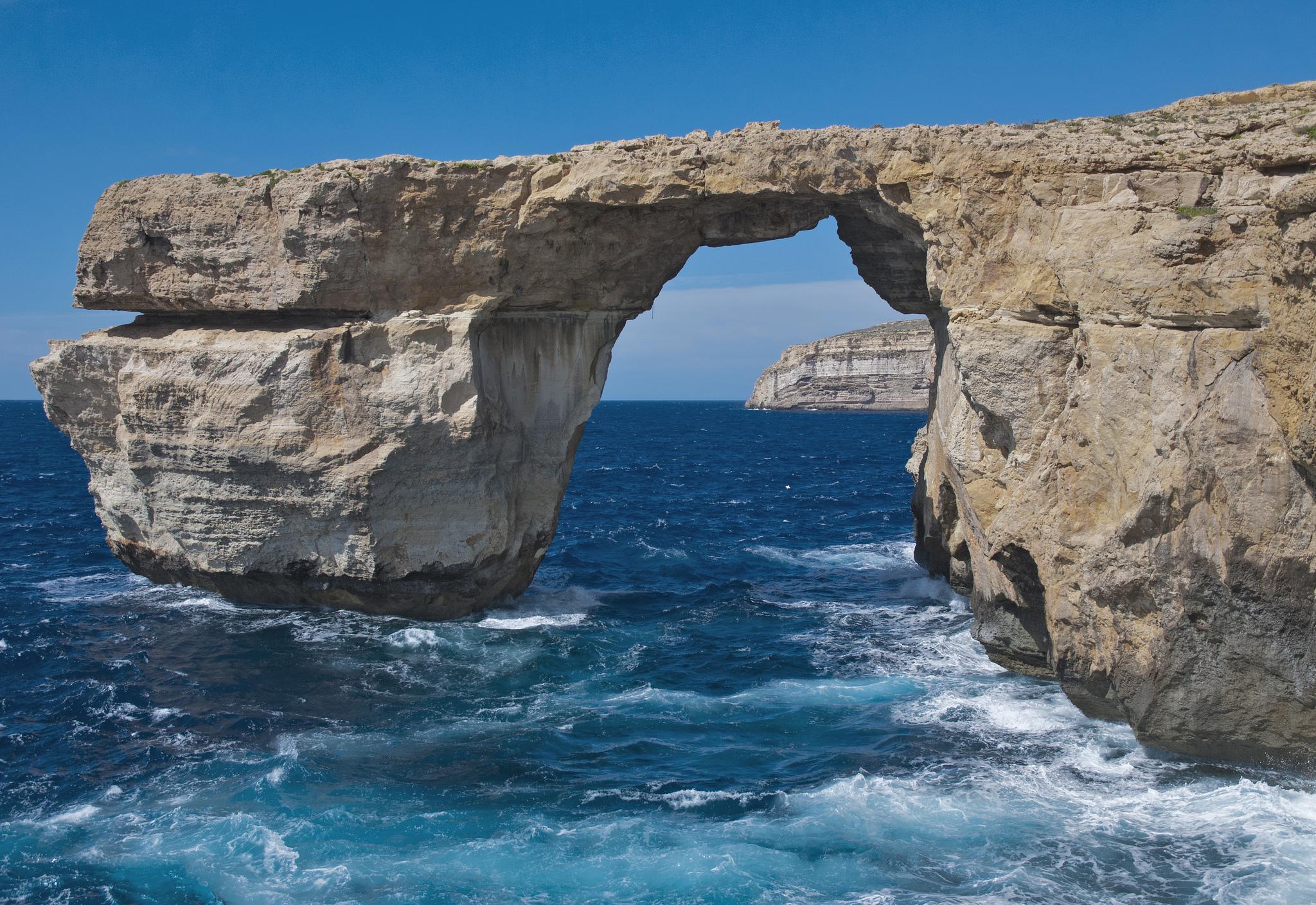 """V překladu """"Azurové okno"""" je zajímavý geologický útvar při pobřeží, Berit Watkin"""
