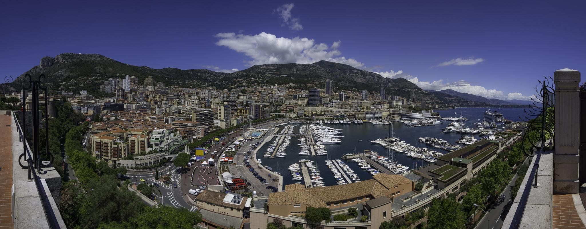 Monako je druhým nejlidnatějším státem na světě, Kurt Bauschardt Kurt Bauschardt