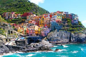 Malebná krajina a dlouhé pláže - takové je Cinque Terre