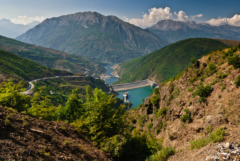 Albánie je krásná v horách..., Rob Hogeslag